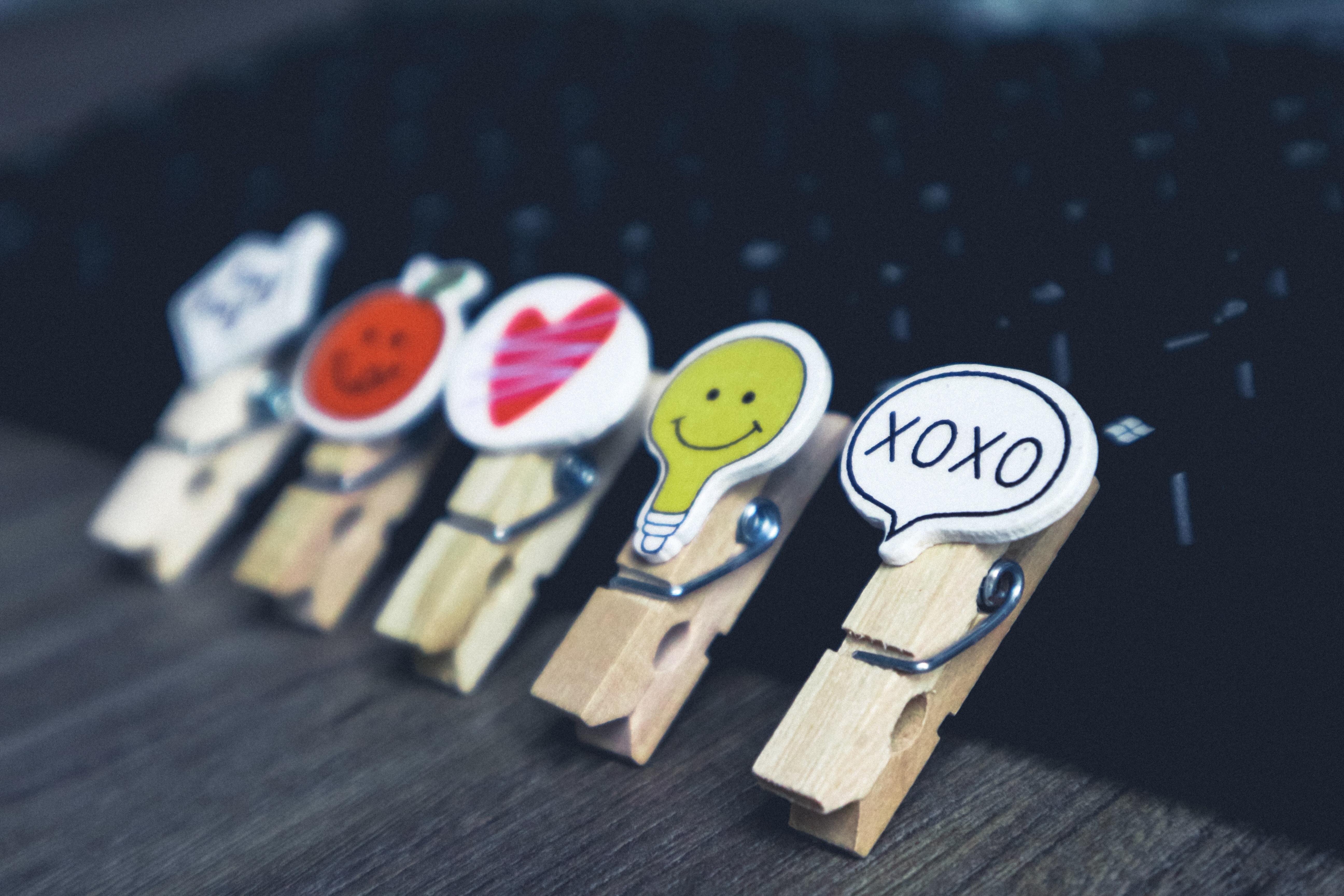 blur-close-up-clothespins-1605781